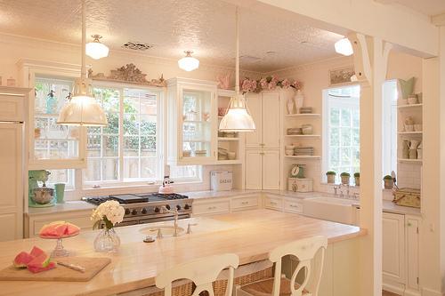 shine or set.: cozy kitchens