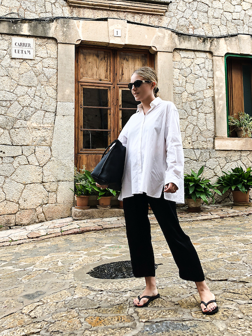The Minimalist Way to Wear Flip Flops for Summer