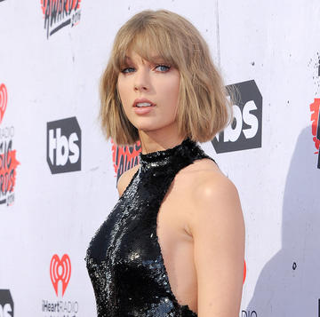 Taylor Swift Uses New Anti-Negativity Instagram Filter