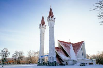Lala Tulpan, Masjid yang Terletak di Bawah Salju Kutub Utara