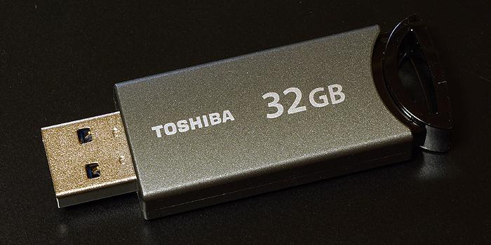 東芝 USBフラッシュメモリ「TransMemory-MX」32GBの使用レビュー