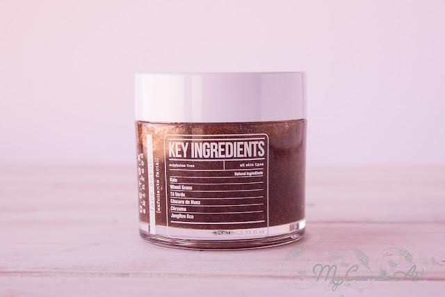 Limpieza facial con Detox Skinfood: exfoliante