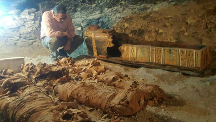 Egyptian tomb mystery bodies