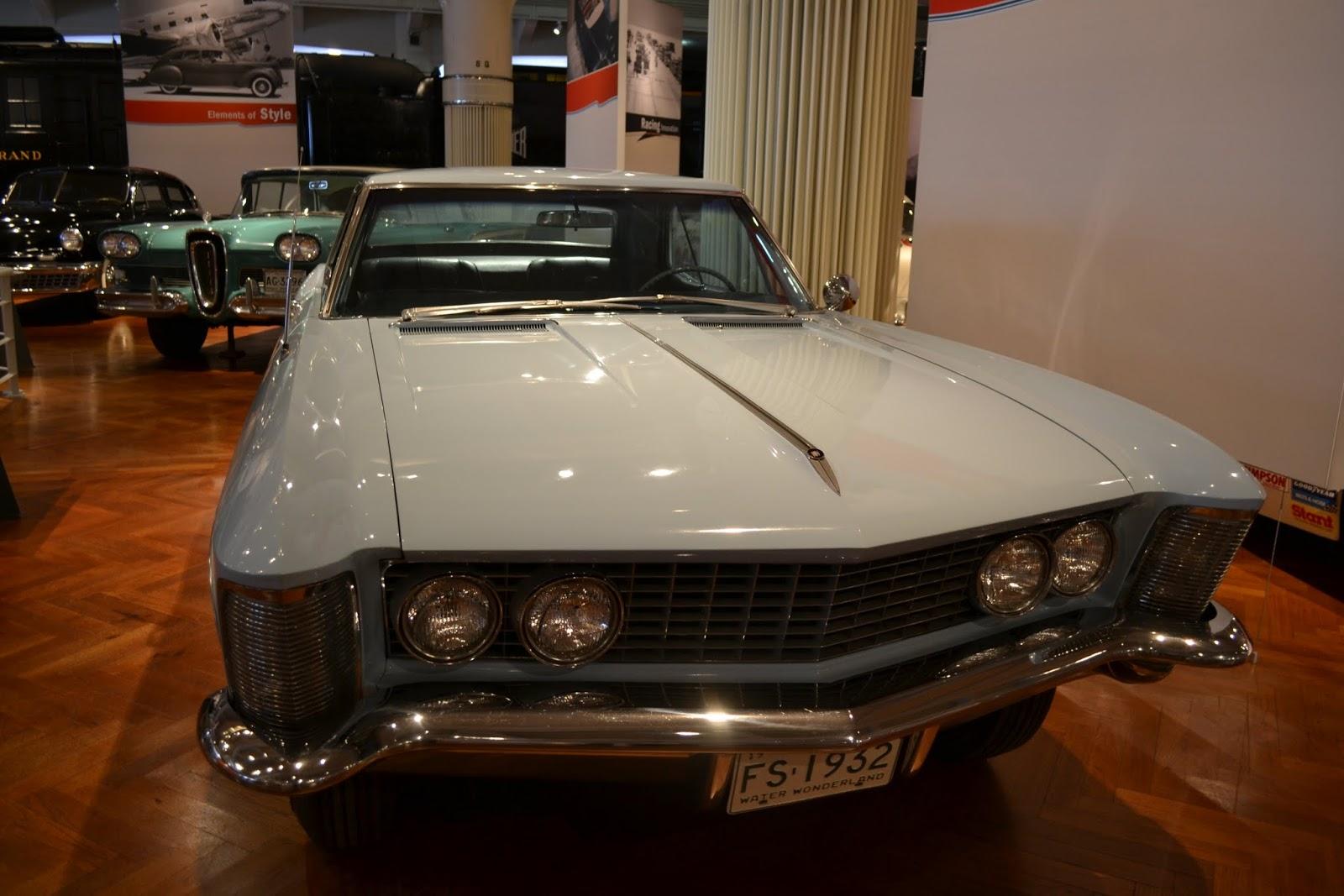 1963 Buick Riviera. Музей Генри Форда. Дирборн, Мичиган (Henry Ford Museum, Dearborn, MI)