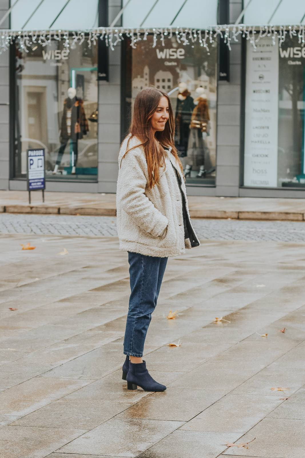 outfit_teddy_coat_blue_boots_rockport