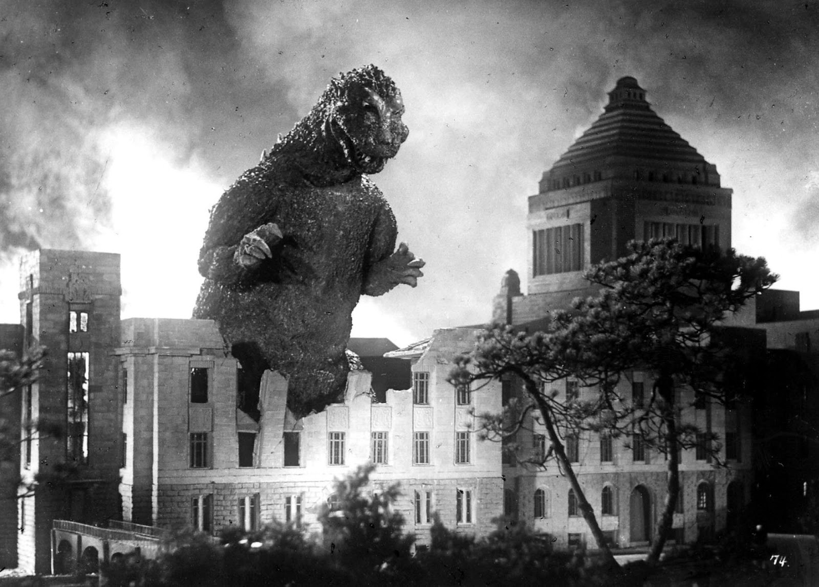 Blog of the Darned: Godzilla vs the American Disaster Movie