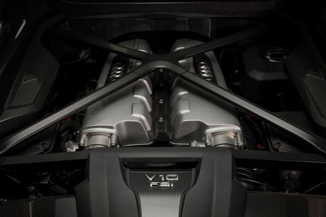 2017 Audi R8 Spyder Engine