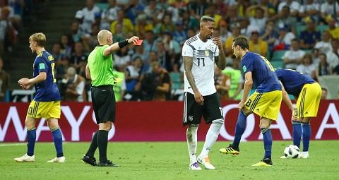 Jerome Boateng nhận đỏ trong trận gặp Thụy Điển tại World Cup 2018
