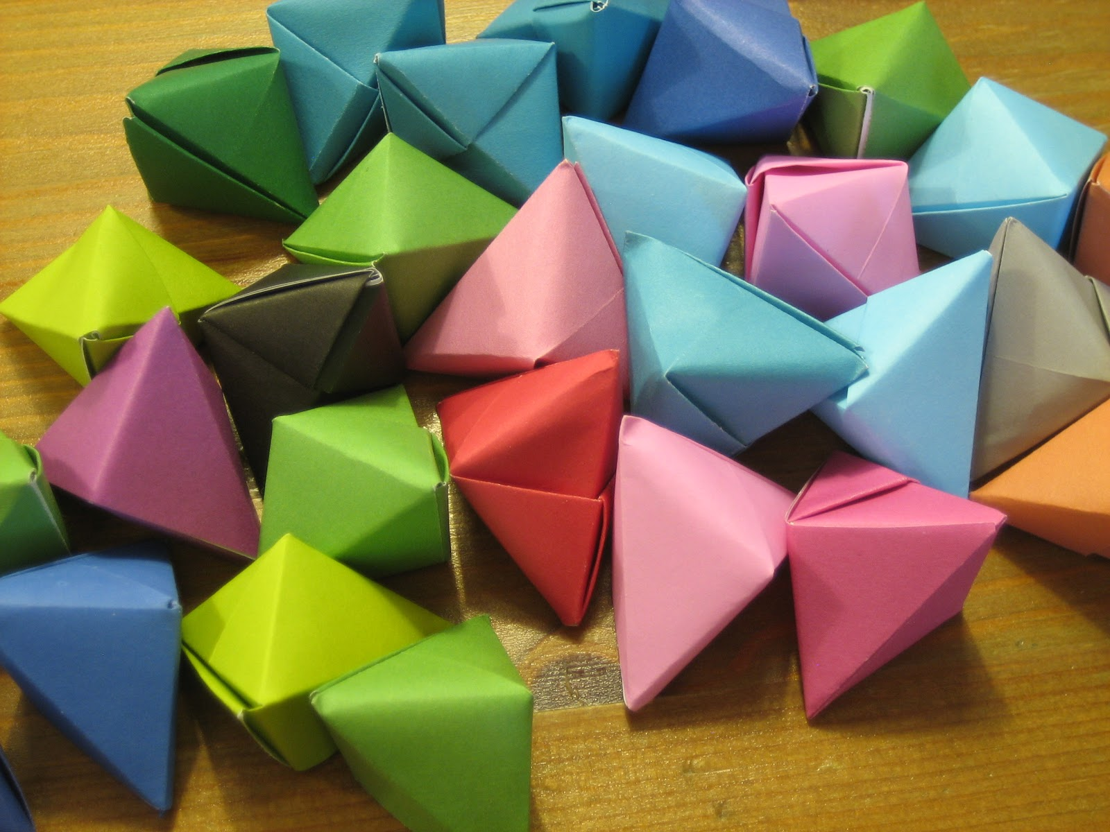 Our Handmade Home: How to make... Origami Christmas ...