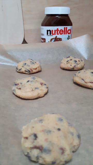Cookies mit flüssigem Nutella-Kern backen