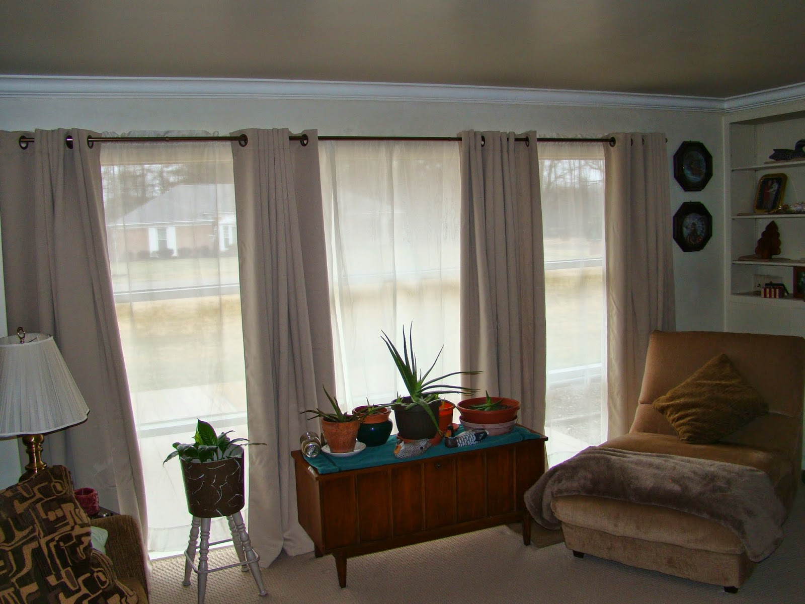 Large front window curtain ideas curtain menzilperde net for Windows with blinds and curtains
