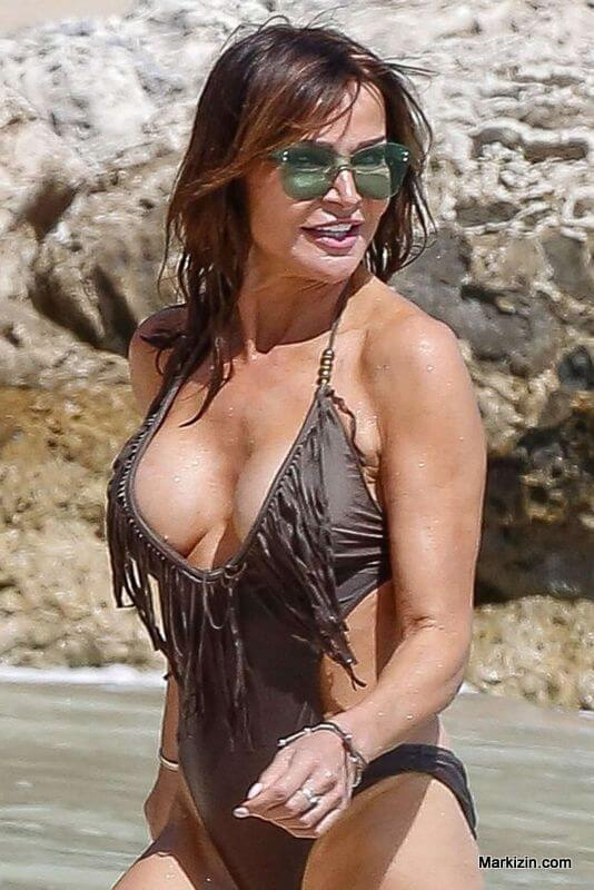 Lizzie Cundy Beach Outfit