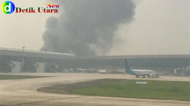 Kebakaran di sekitar Bandara Soetta.