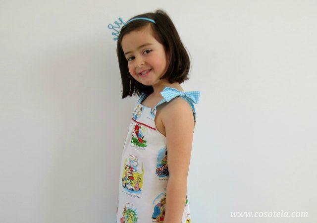Lucía posando con el vestido Summer Picinic dress