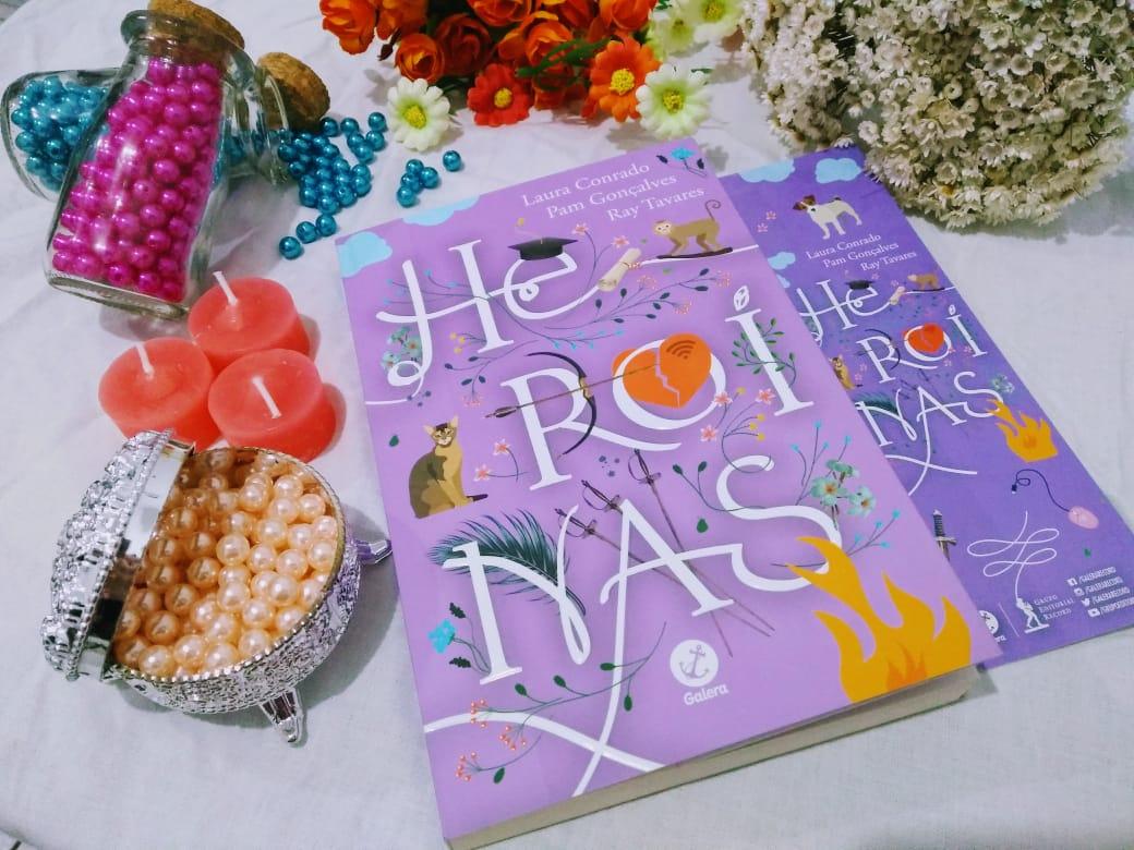 HEROÍNAS da autoras Pam Gonçalves, Laura Conrado e Ray Tavares,  uma coleção de contos, que focam em mulheres trazendo para o contemporâneo historias clássicas que tinha como protagonistas masculinos. Lançado em 2018 pela editora Galera Record o livro tem 256 páginas.