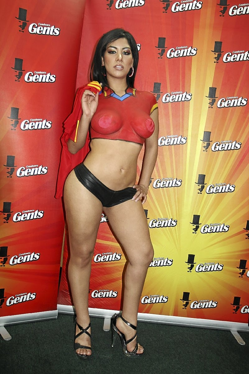 Natalia Boa Vista Naked Pussy 16