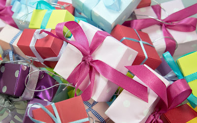 Give gifts to the help staff this Diwali