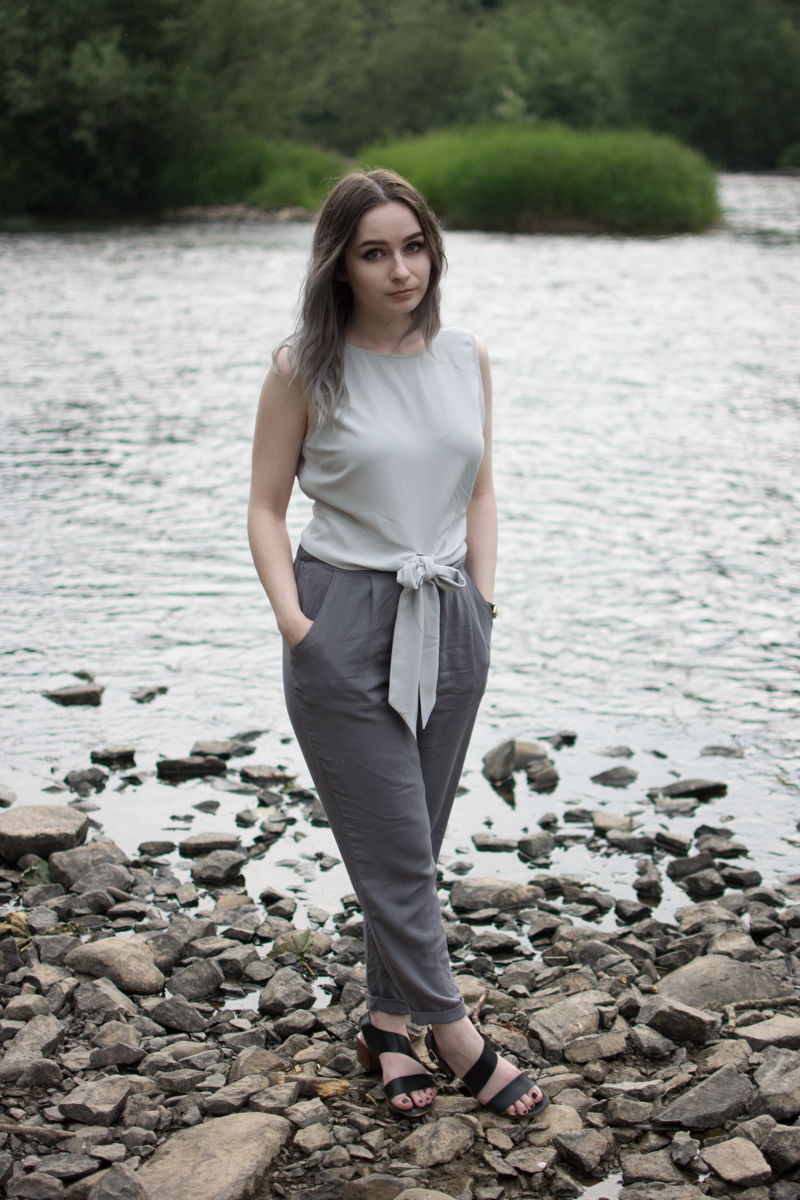 Minimal Monochrome outfit for Summer OOTD