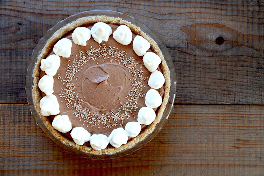 Kitchen Vignettes by Aubergine: Tahini Chocolate Mousse Pie (version 2.0 - vegan and gluten-free)