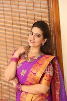 Anchor Manjoosha in Beautiful Kanjiwaram Saree at At Sankarabharanam Awards 2017 ~  Exclusive 020.JPG