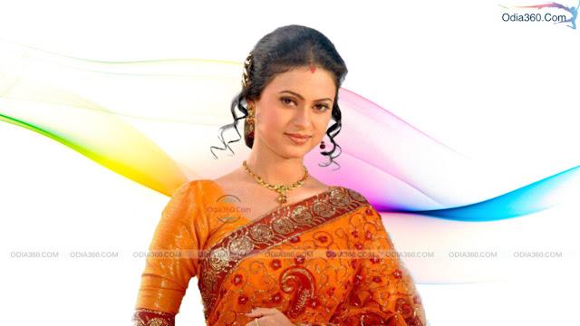 Lipi Mohapatra in Saree HD Wallpaper Download
