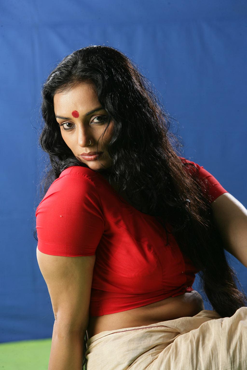 Sexy Images Of Shweta Menon 116