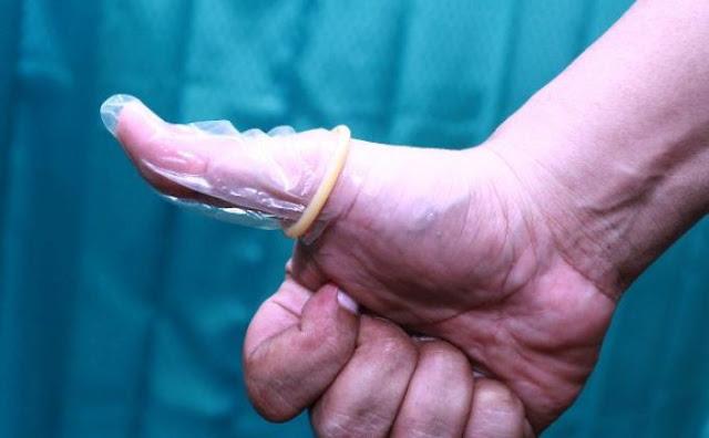 ABG Dominasi Pembelian Kondom Jelang Valentine