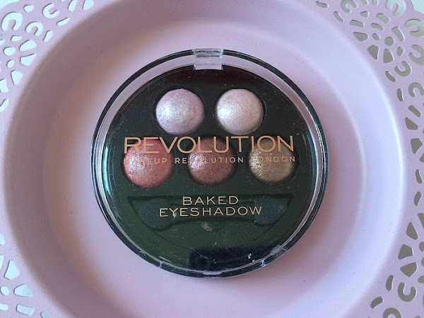 Makeup Revolution: Baked paleta senčil Chocolate Deluxe