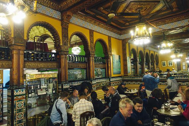 カフェ・イルーニャ(Café Iruña)