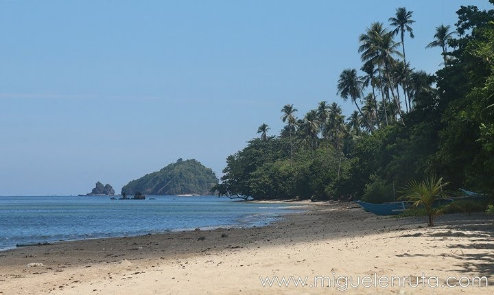 Caminando-por-Lio-Beach