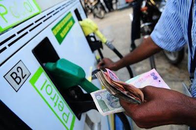 आज से 2 रुपए सस्ता होगा पेट्रोल-डीजल