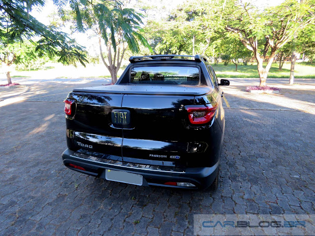 Fiat Toro 1.8 Flex AT - Preto Carbono