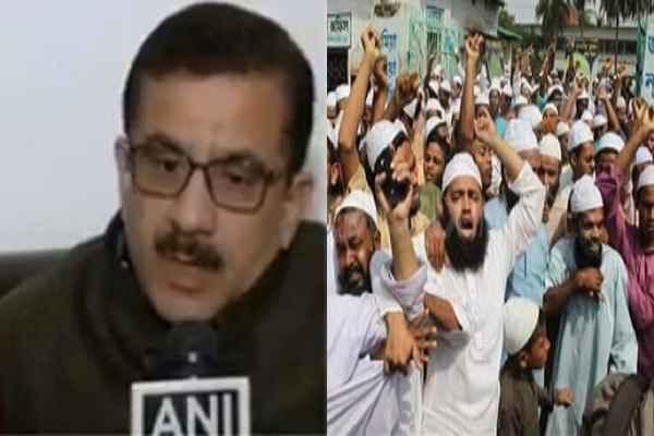 up-muslim-extremist-aimmc-fatwa-against-wasim-rizwi-to-kill-him