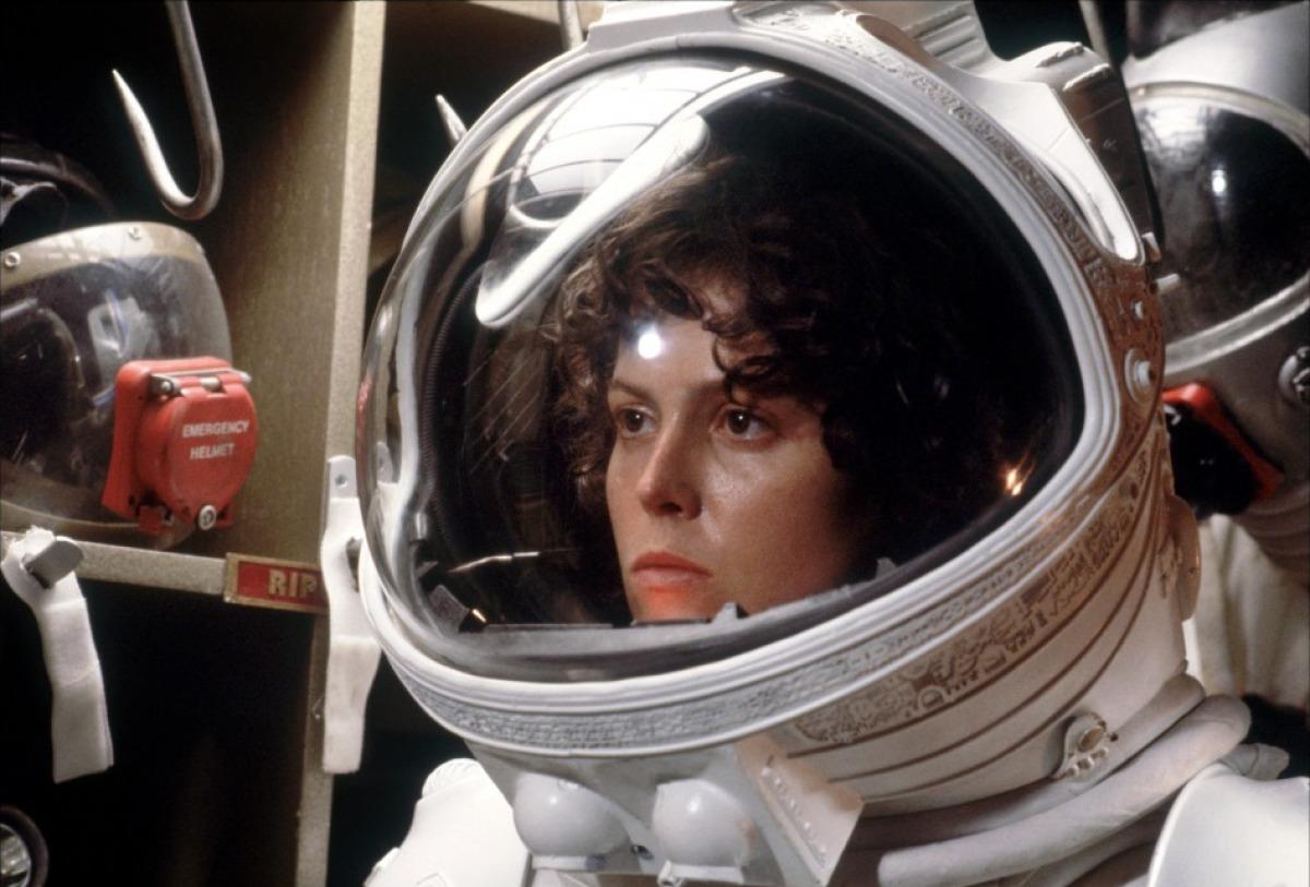 dallas alien 1979 space suit - photo #46