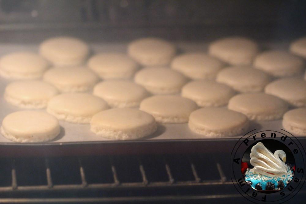 Macarons vanille et fève tonka (pas à pas en photos)