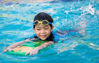 10 Manfaat Berenang Bagi Kesehatan Fisik dan Mental