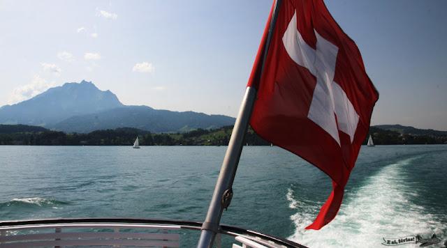 Monte Pilatus, a bordo do barco no Lago Lucerna, rumo a Weggis