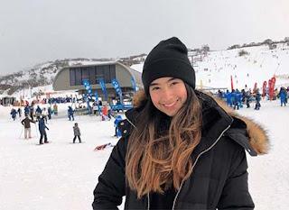 Nadia Raisya di Salju