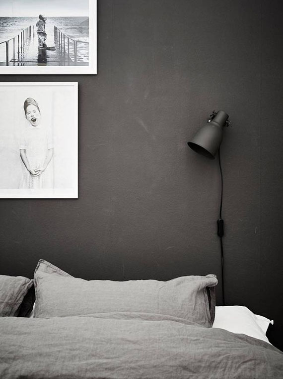Black bedroom wall via Stadshem