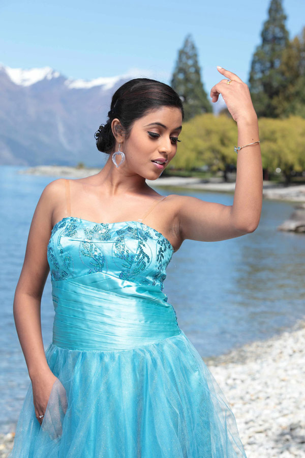 Poorna latest hot pix