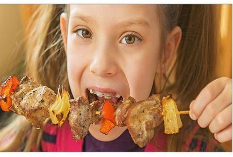 Προσοχή: Αγαπημένο φαγητό των παιδιών προκαλεί καρκίνο - Είναι χειρότερο και από το κάπνισμα