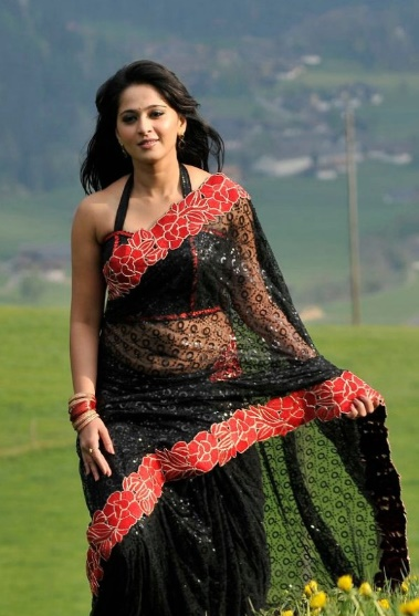 anushka shetty looking awesome in black saree