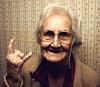 Casal de idosos é processado por ouvir Iron Maiden alto demais