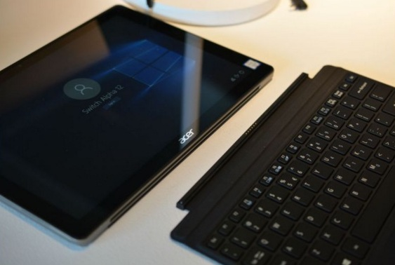 Harga Laptop Acer Switch Alpha 12 Tahun 2017 Lengkap Dengan Spesifikasi, Notebook Yang Bisa Menjadi Tablet Tipis dan Fleksibel Tanpa Fan
