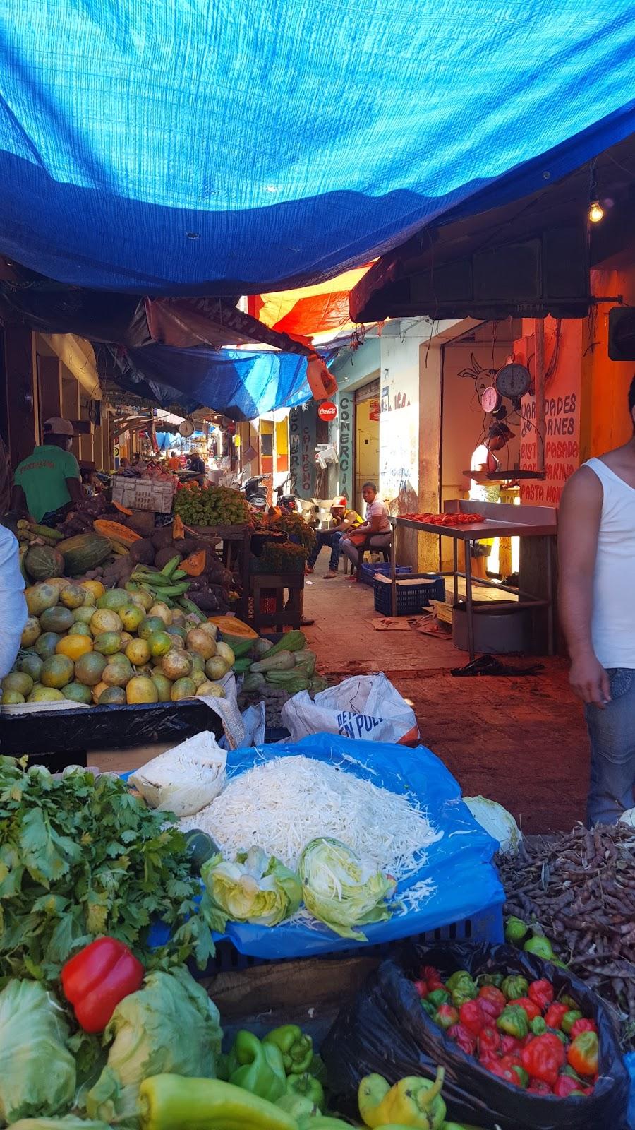 Dominikana Lokalny targ w mieście Higuey
