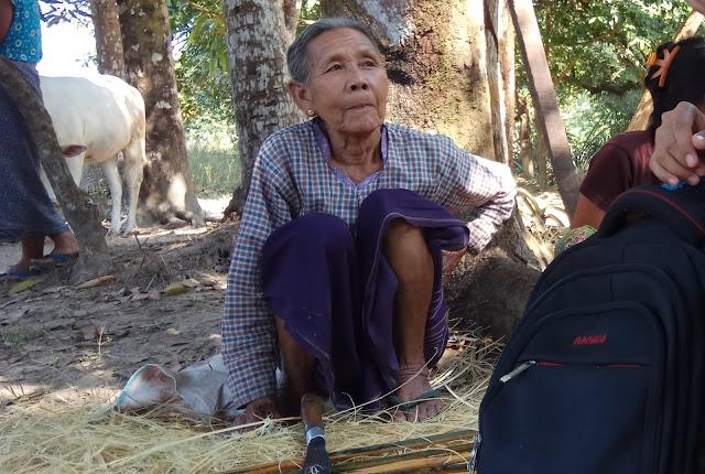 ခင္နွင္းေဝ (Myanmar Now) ● လူမႈေရးပင္စင္ အသက္ သတ္မွတ္ခ်က္ကို ၉ဝ မွ ၈၅ ႏွစ္သို႔ ေျပာင္းလဲ