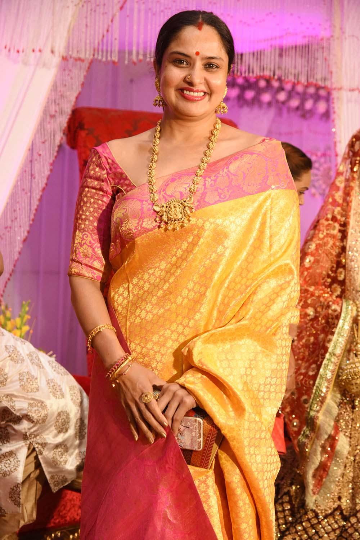 Glamorous Pragathi Aunty Hot Photos In Yellow Saree