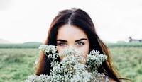 Mujeres, más emocionales y con mejor oído que hombres