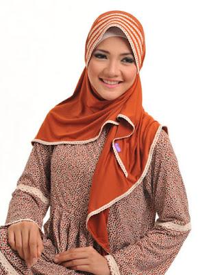 contoh model hijab simple dan praktis 5