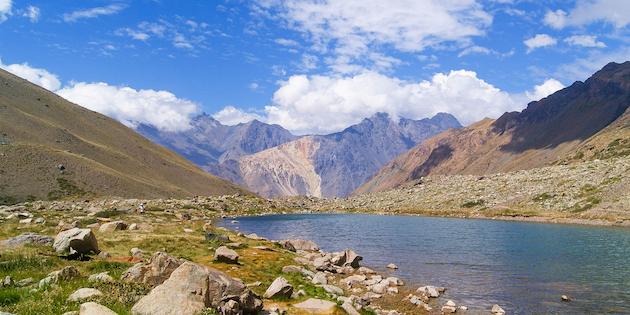 Vista cordillerana desde el río Maipo.